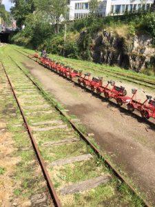 Fahrt auf Schienen