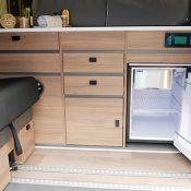 Campervan 3 Ansicht Kühlschrank