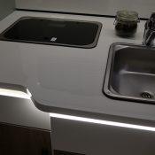 Wohnmobil 71FBH Küchen-Ansicht