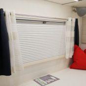 Mooveo Wohnmobil TEI-71FBH - große Fenster im Schlafbereich