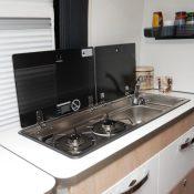Wohnmobil kaufen neu Van-63DBL Ansicht Küche