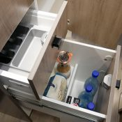 Wohnmobil Mooveo TEI-60FB Küchenbereich Schubkästen