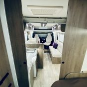 Wohnmobil 71FBH Dinette-Ansicht 2